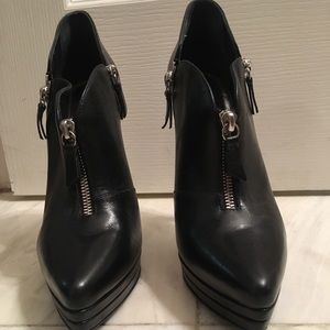 Pre-Owned Authentic Casadei Booties